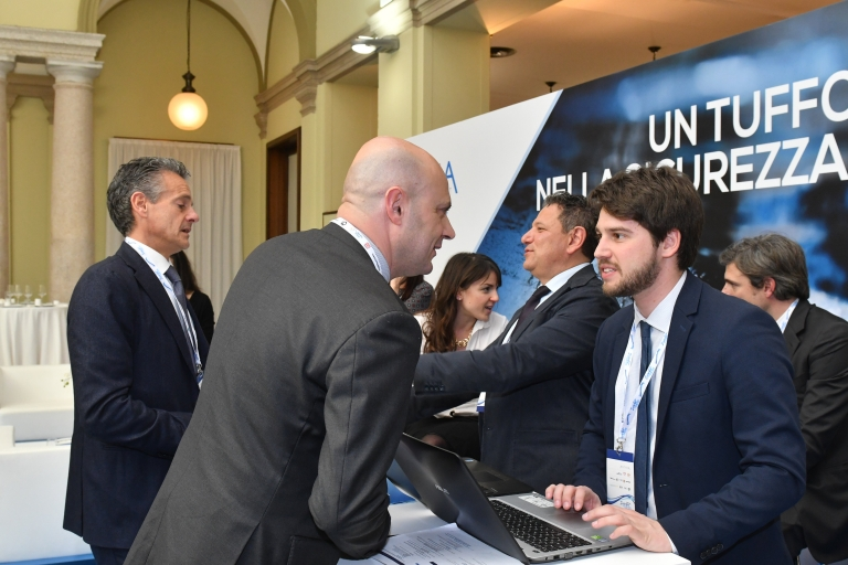 Flavio Marelli_Anthea +Giacomo Bet assistente Sbrollini